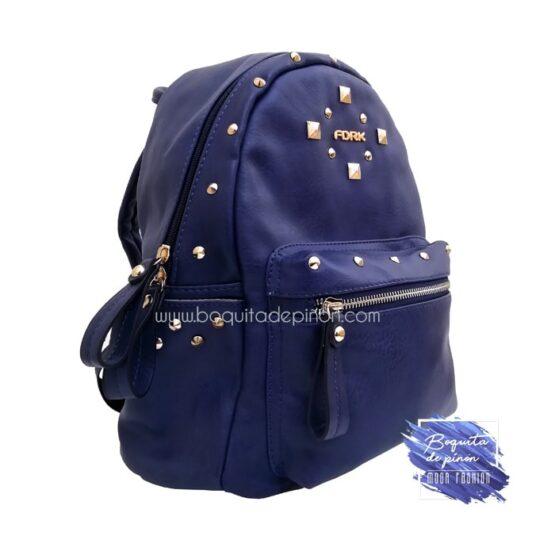 bolso mochila azul marino con tachuelas