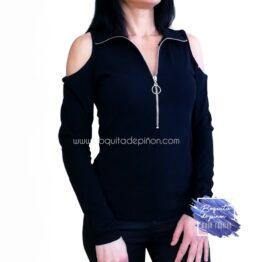 camiseta manga larga hombros descubiertos negra