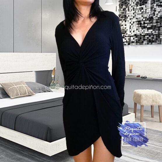 vestido corto con nudo delantero negro
