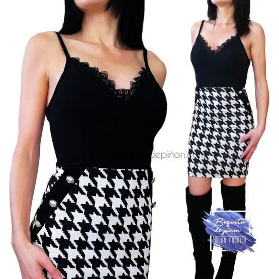 vestido pata de gallo con tirantes blanco y negro