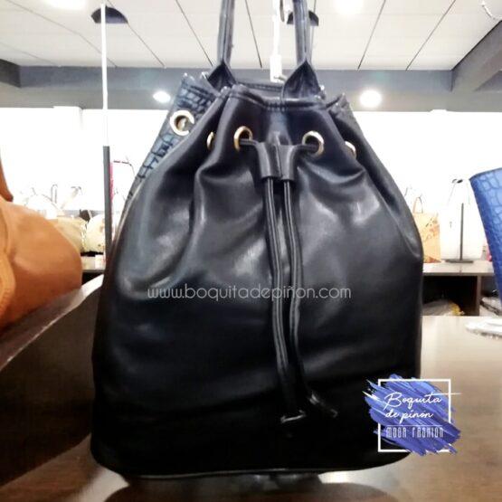 bolso mochila bombonera negro