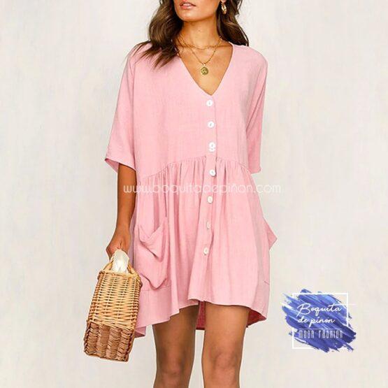 vestido oversize con botones rosa