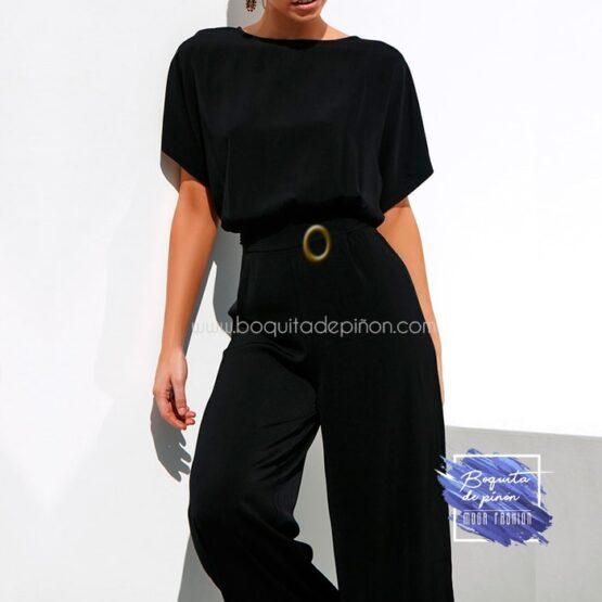 mono largo con cinturon negro