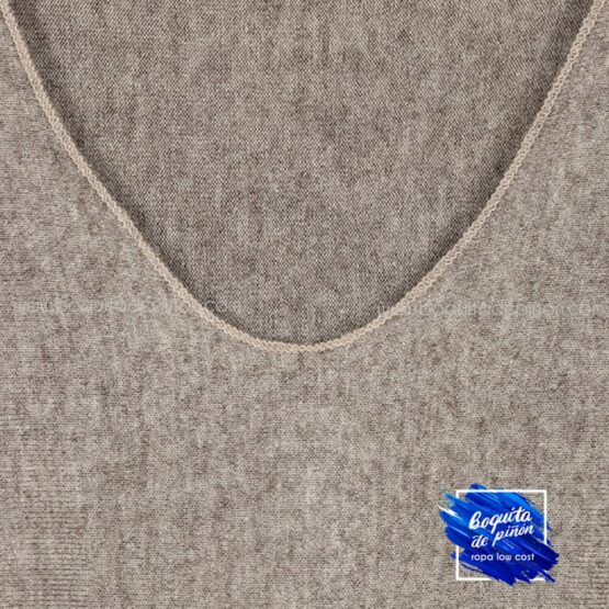 jersey con pañuelo taupe