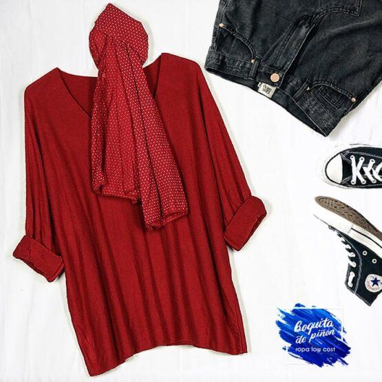 jersey con pañuelo granate