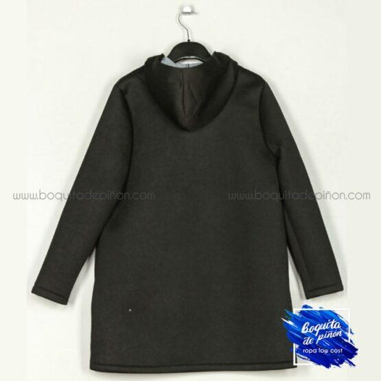 chaqueta neopreno con capucha negro