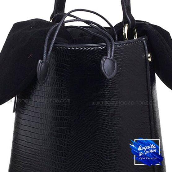 Bolso saco animal print estampado negro